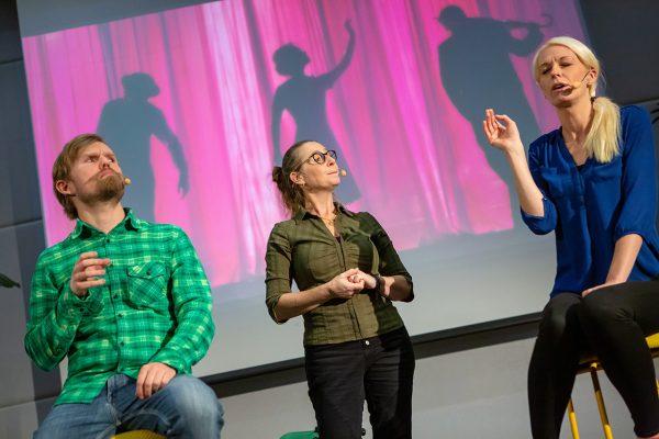 Göteborgs improvisationsteater gestaltade olika konsumentgrupper. Foto. Suss Wilén