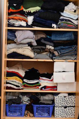En garderob kan ha mer än 100 plagg