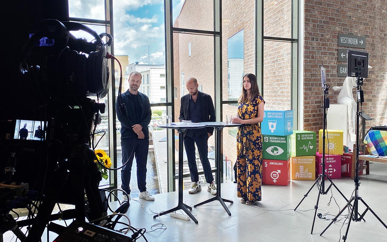 Jonas Larsson, Adrian Zethraeus och Madlén Fondén på den digitala seminariedagen Framtiden Hållbara Konsumtion, Science Park Borås